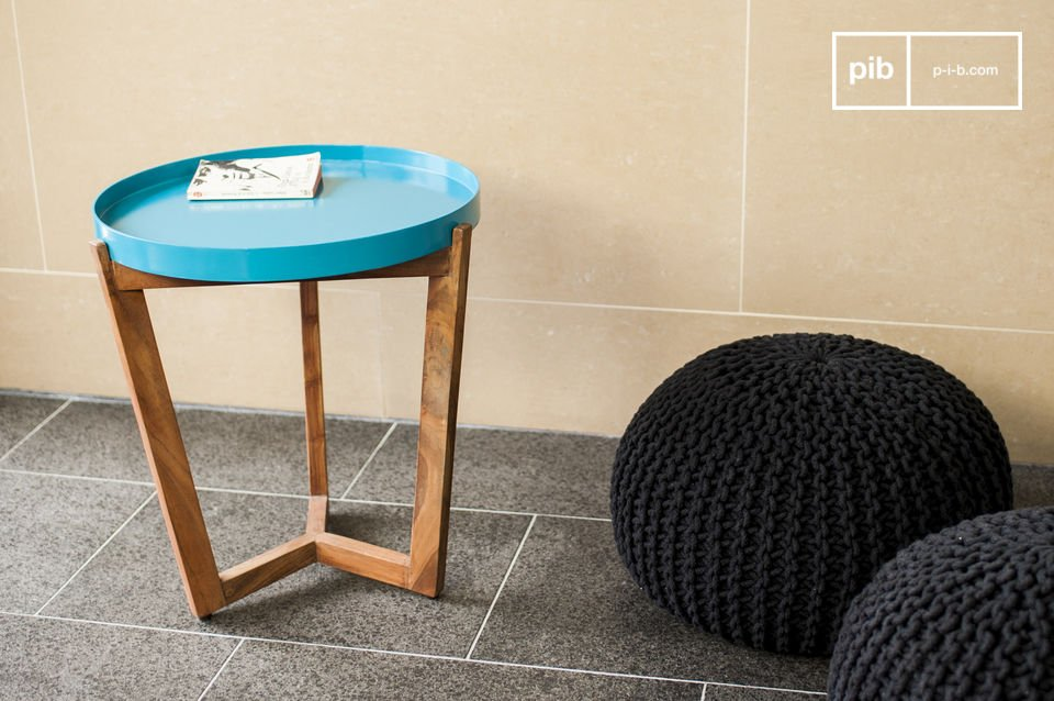 Base made of solid acacia wood, tabletop removable