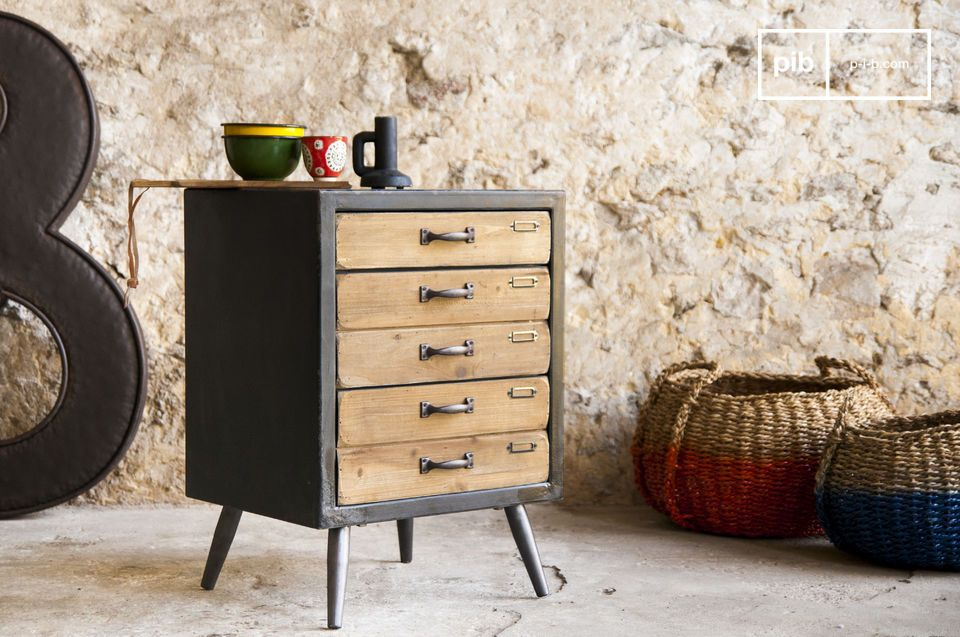 Nice little chest of drawers full of storage space.