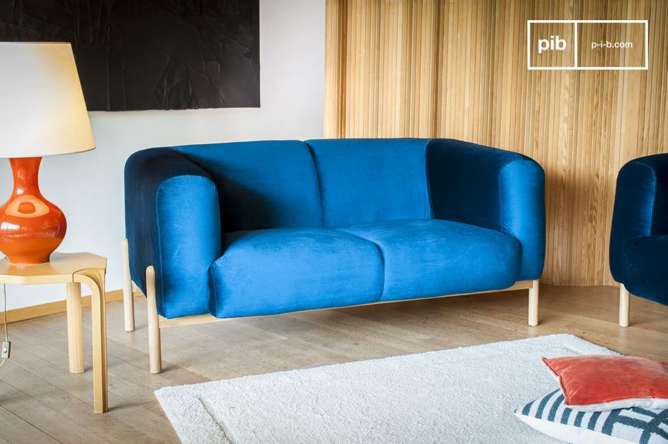 A timeless Scandinavian spirit, perfect for a colorful touch in a living room