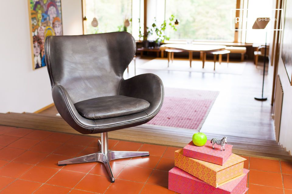The seat is beautifully designed and will easily fit into your interior.