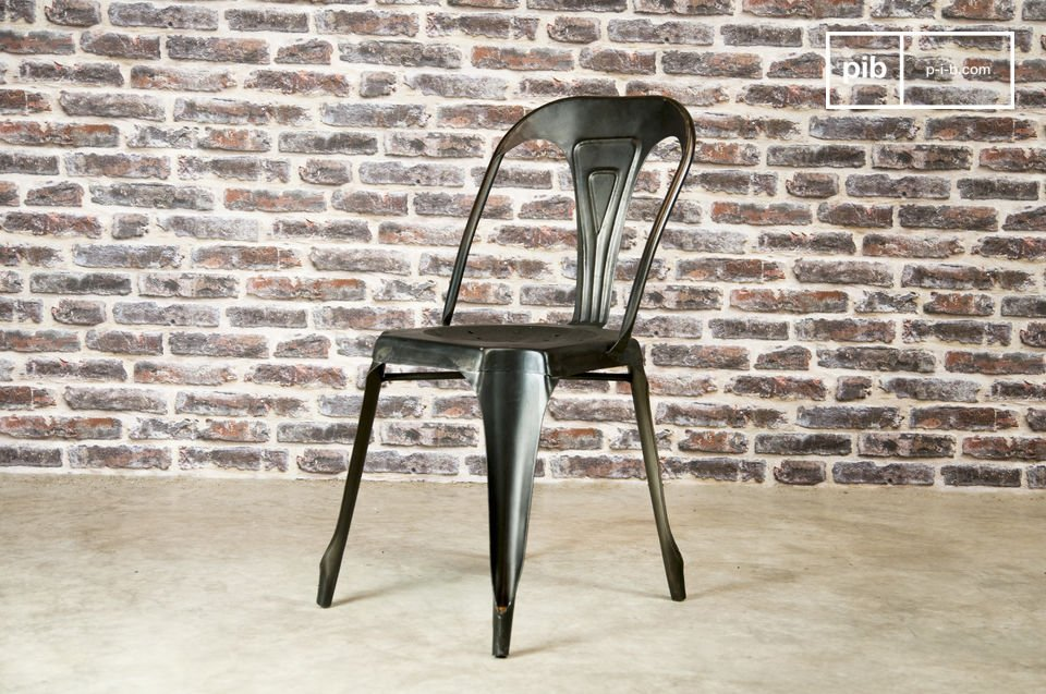 Robust and lightweight metal chair.