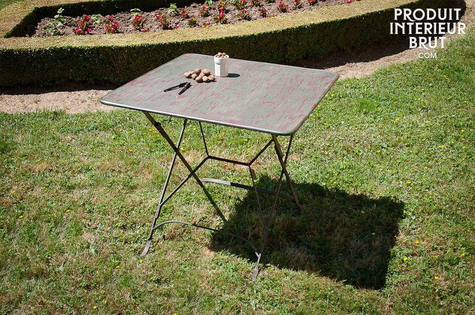Vintage style folding table