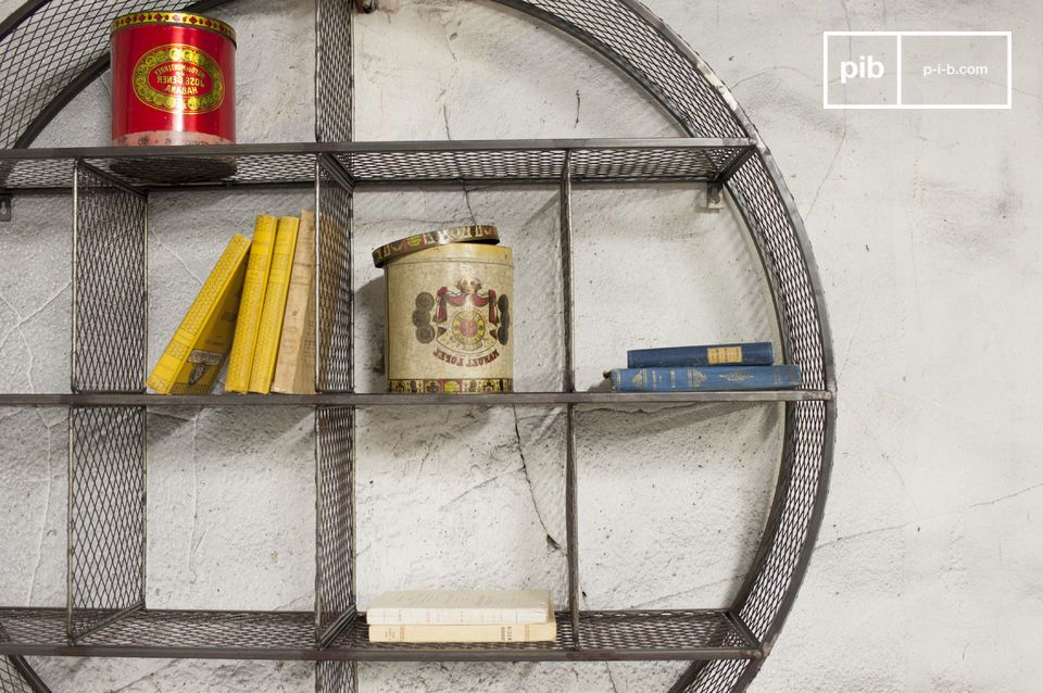 This shelf forms a circle with an impressive diameter, which is divided into 12 different sections