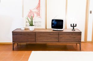 Walnut TV cabinet Hemët