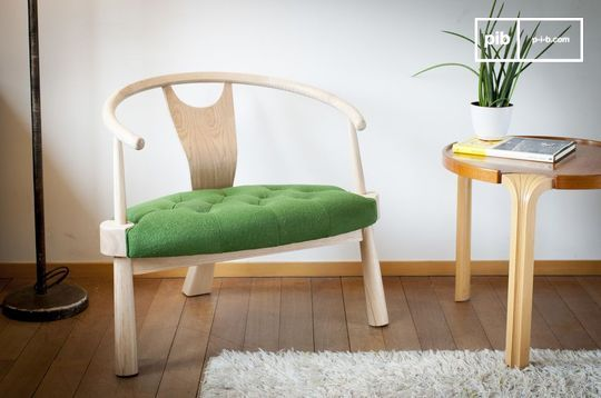 Wellinfield three-legged armchair