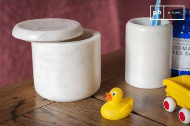 White marble jar Wäg