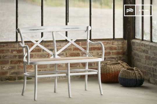 White Pampelune bench