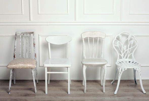 white scandinavian chairs
