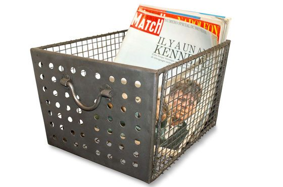 Wire mesh basket Clipped