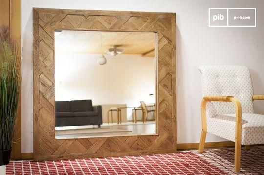 Wooden mirror Queens