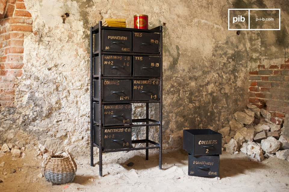 Workshop chest with 10 drawers